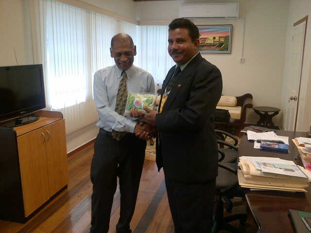 Tt seeking guyana s advice in agriculture rice for Dr leslie fish