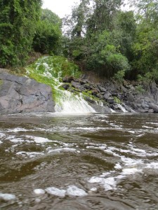Water cascades through rocks into the Essequibo river (Photo from barbelblogger.blogspot.com)