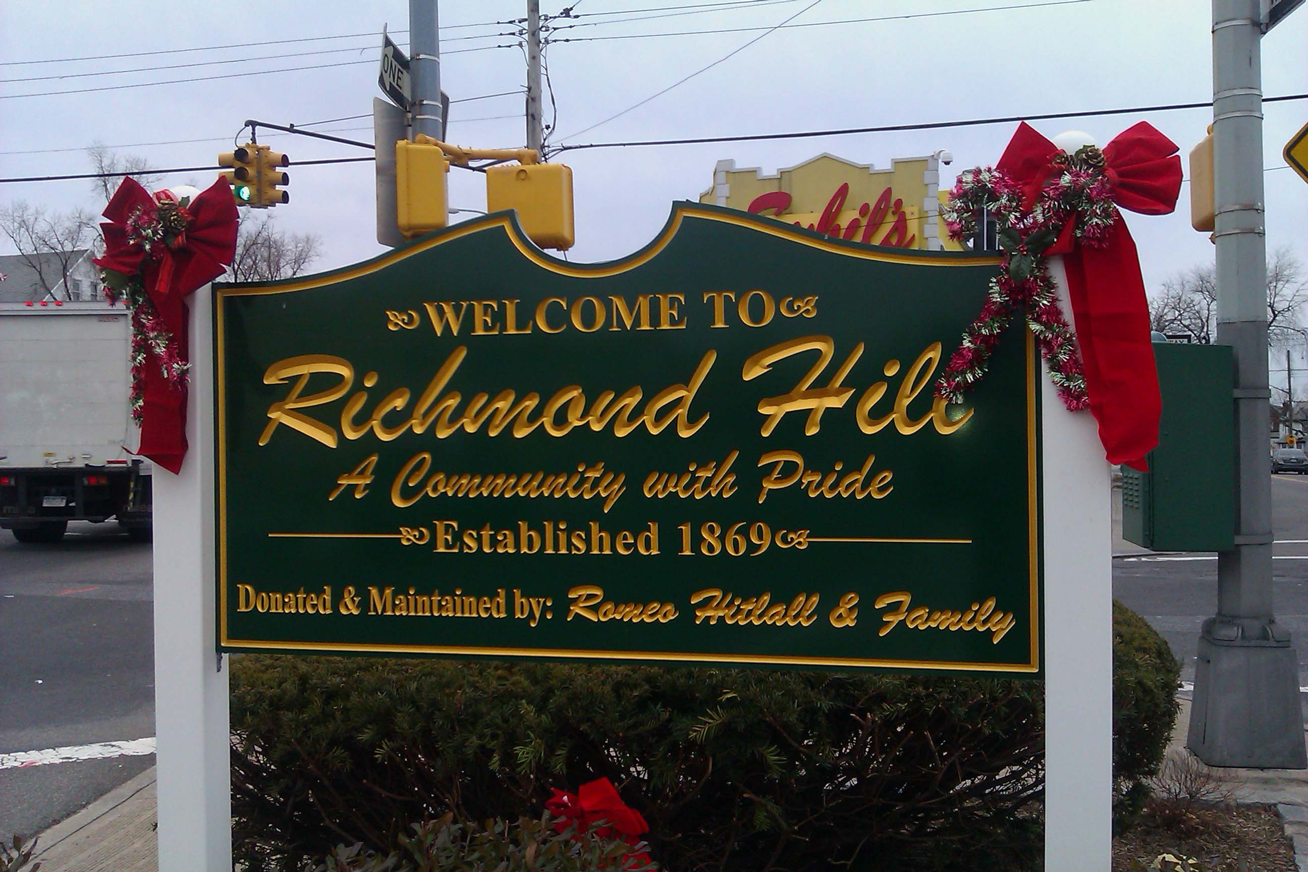 Official sign erected to welcome visitors to Richmond Hill